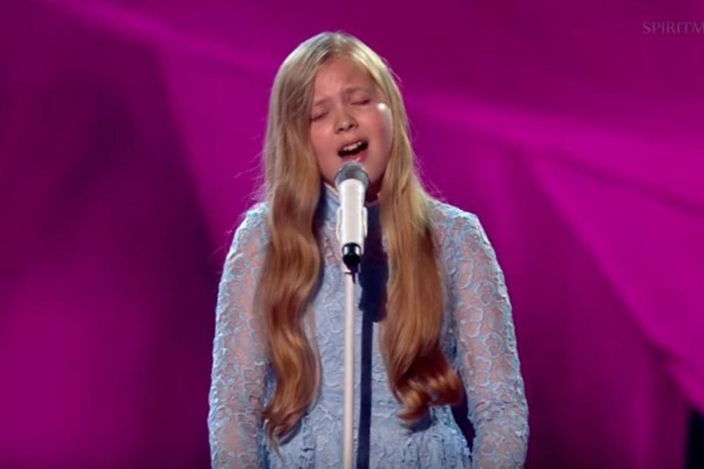 (VIDEO) NOVO MUZIČKO ČUDO: Supertalenat koju nazivaju novom Suzan Bojl