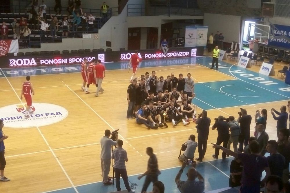 PARTIZANOV ŠAMAR ZVEZDI: Crno-beli juniorski šampioni Srbije!