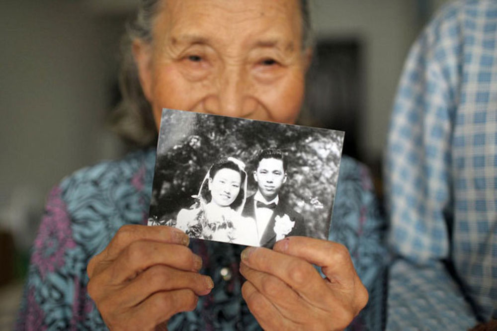 DOKAZ DA PRAVA LJUBAV IPAK POSTOJI: Verujte njima posle 70 godina! Koja je tajna?