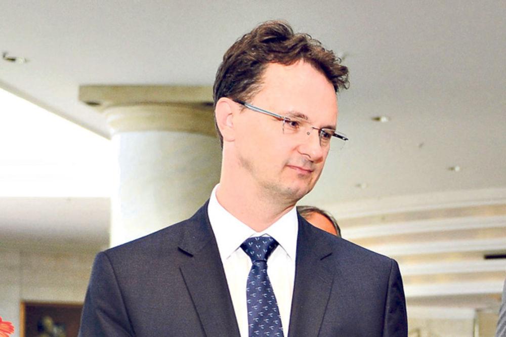 Ministar Verbić diskriminiše osobe obolele od HIV
