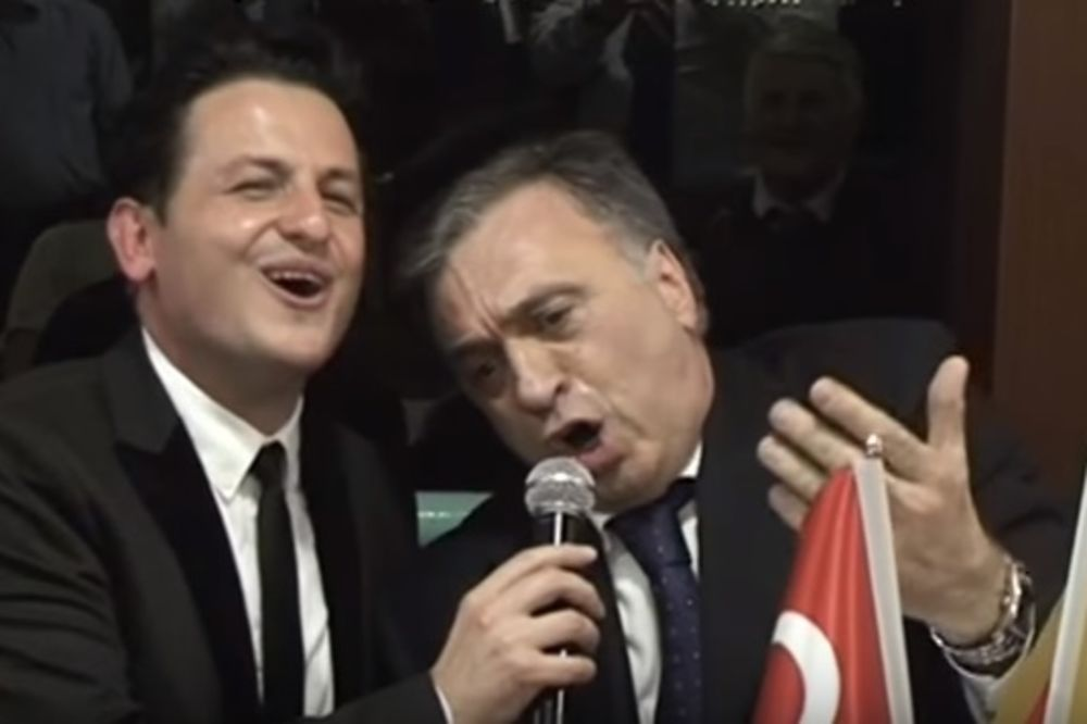 (VIDEO) PUSTO TURSKO: Crnogorski predsednik pao u sevdah, pa zapevao na forumu u Istanbulu!