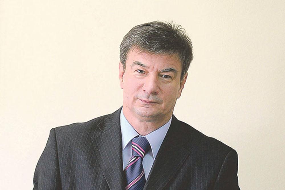 OVAKO SAM POČEO Goran Knežević (SNS): Popio sam pivo, a zatim otišao da se učlanim u DS
