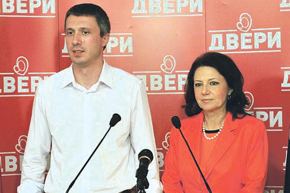 PUKLA TIKVA U KOALICIJI DVERI-DSS: Obradović se trpa u Vučićevu vladu!