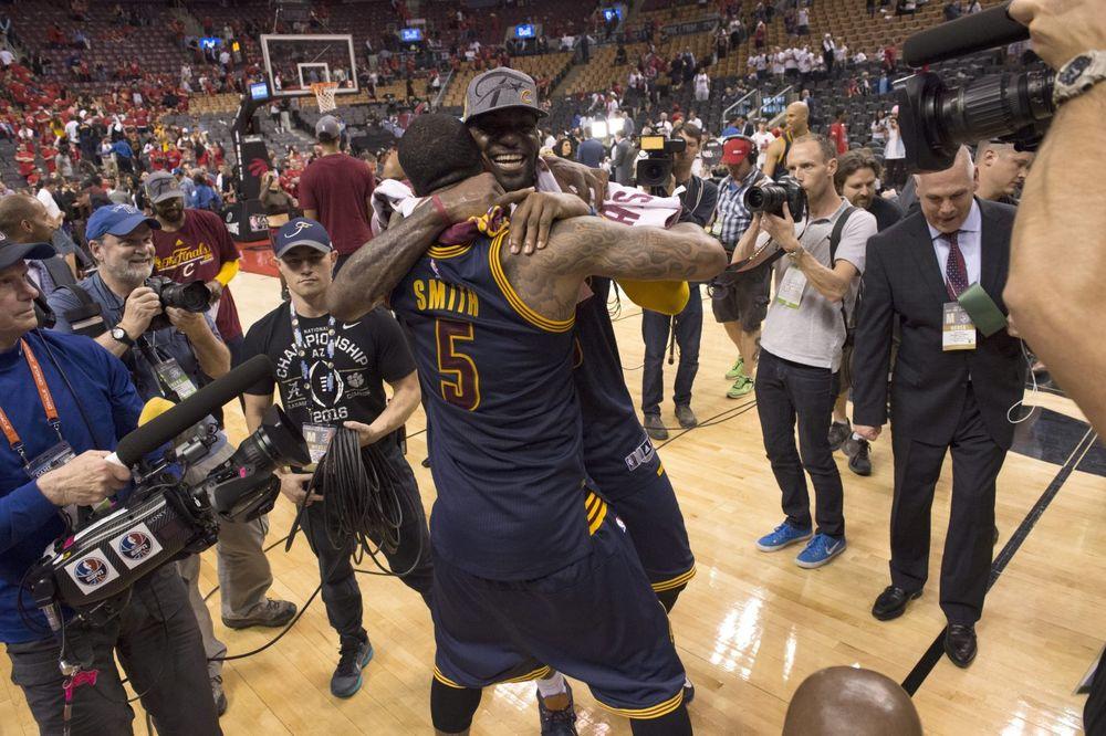 BLOG UŽIVO, VIDEO: Klivlend izbacio Toronto i plasirao se u finale NBA lige