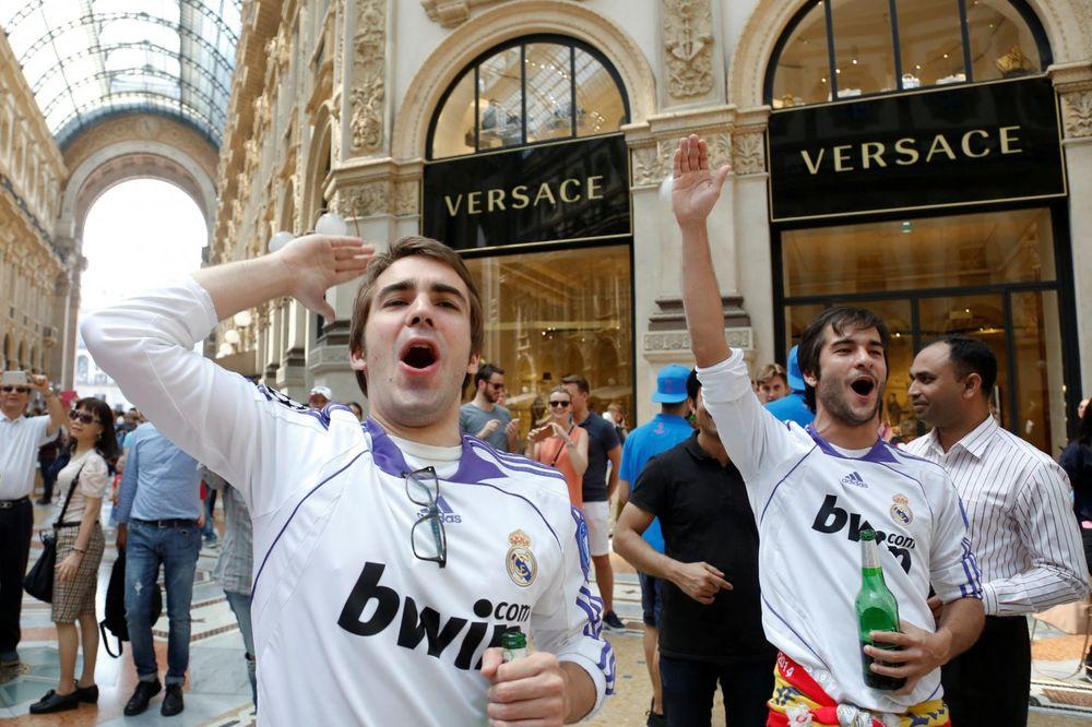 (VIDEO) HAOS U MADRIDU: Potukli se navijači Reala i Atletika uoči polaska za Milano