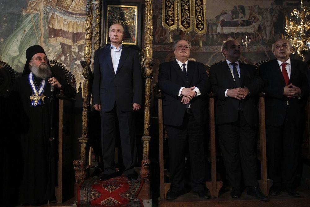 ČAST KOJI SU IMALI SAMO CAREVI: Putin stao na vizantijski tron!