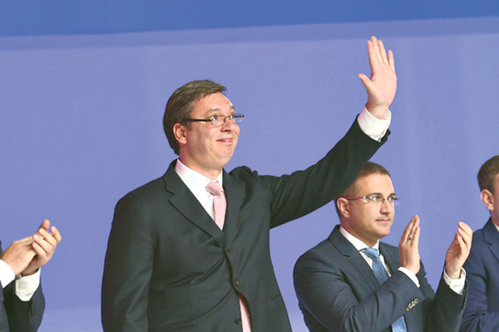 VUČIĆ: Nisam blizu da se kandididujem, Saša Janković nema prava da se bavi politikom