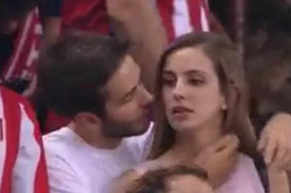 (VIDEO) HIT NA INTERNETU: Atletiko joj važniji, devojka na stadionu iskulirala dečka zbog fudbala