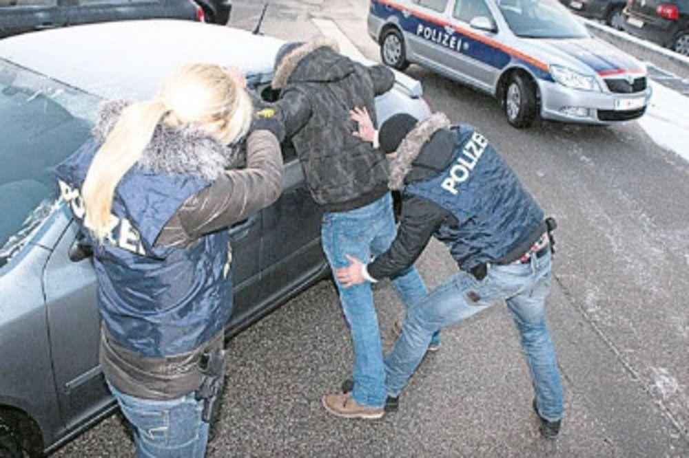 AKCIJA AUTRIJSKE I POLICIJE BIH: Uhapšeni krijumčari oružja i droge!