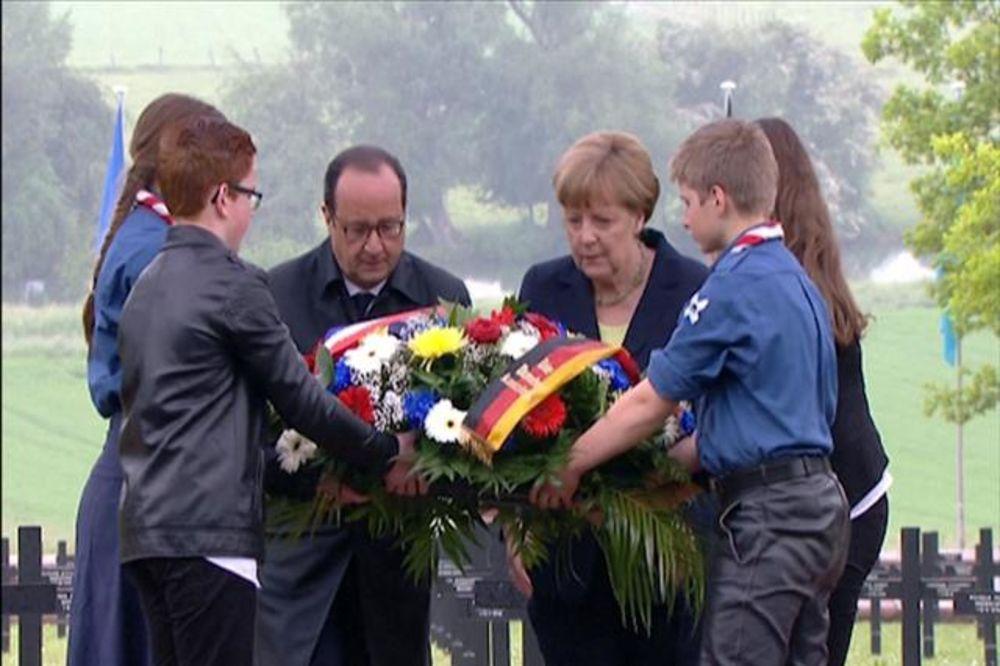 OLAND I MERKELOVA U VERDENU: Nekada grad smrti, danas prestonica evropskog mira
