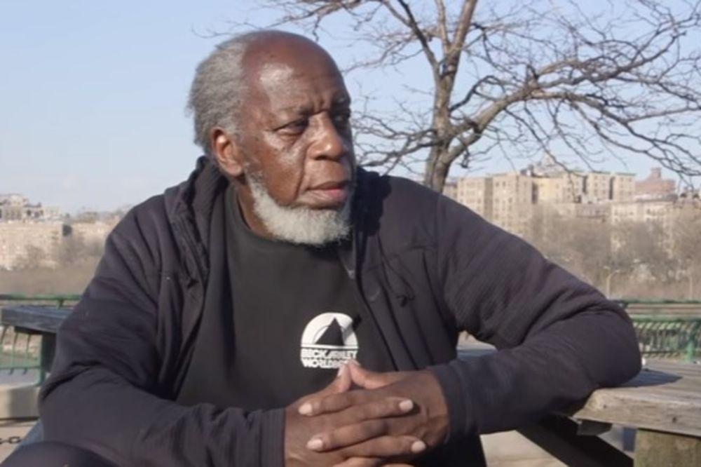 (VIDEO) IZAŠAO IZ ZATVORA POSLE 44 GODINE: Samo gleda ljude i ništa mu nije jasno