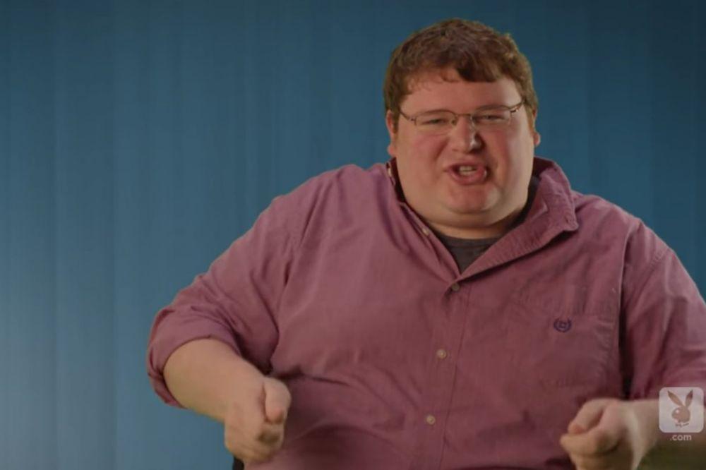 (VIDEO) KOMIČARI O SEKSU: Plakaćete od smeha kad čujete šta su oni doživeli u krevetu