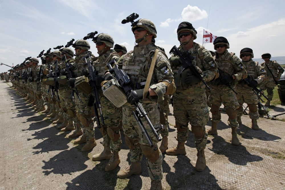 DA LI JE NATO PRED RASPADOM? Dve velike opasnosti prete opstanku najmoćnijeg vojnog saveza!