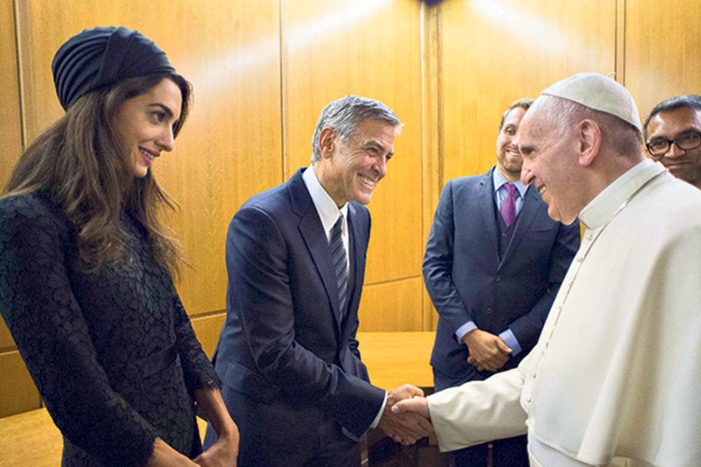 Papa odlikovao Džordža Klunija