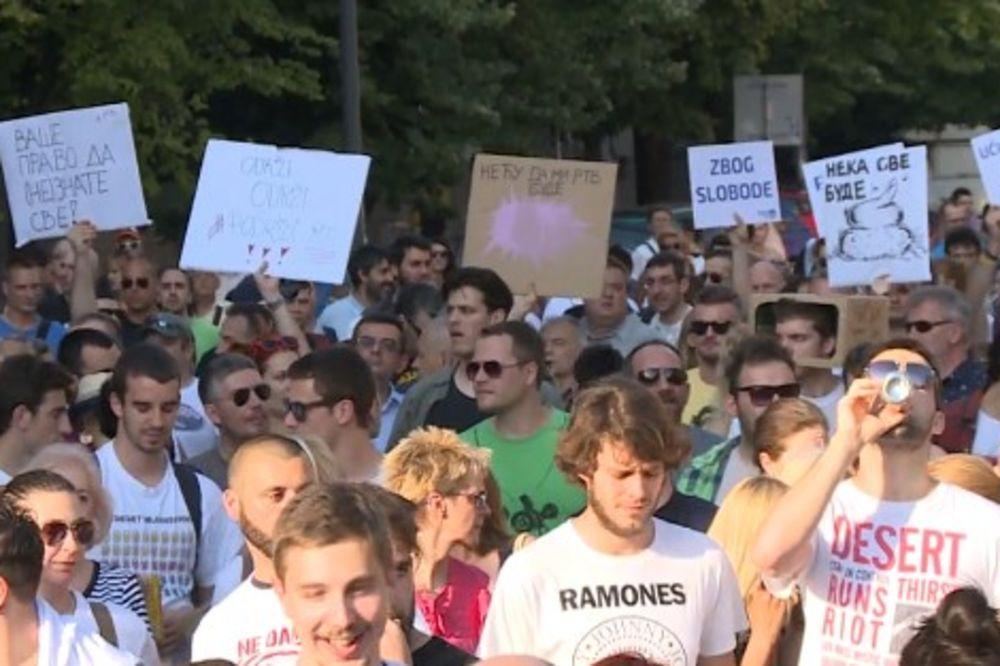 NOVI SAD: Održan još jedan protest zbog smena na RTV