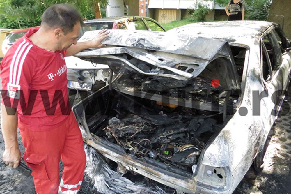 BURNO JUTRO U NIŠU: Keramičaru zapaljen auto, gorela još 2 vozila