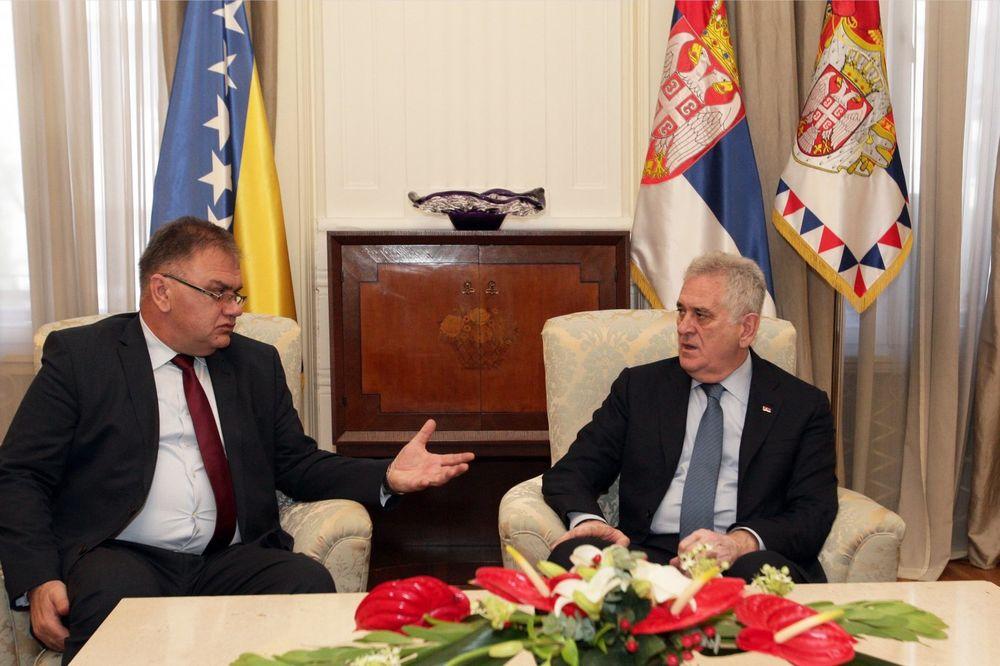 NIKOLIĆ SA IVANIĆEM: Srbija želi stabilnost regiona, ali u tome nema podršku suseda