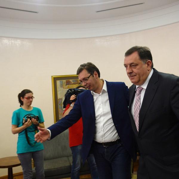 VUČIĆ SE SASTAO SA DODIKOM: Srbija će insistirati na opstanku RS