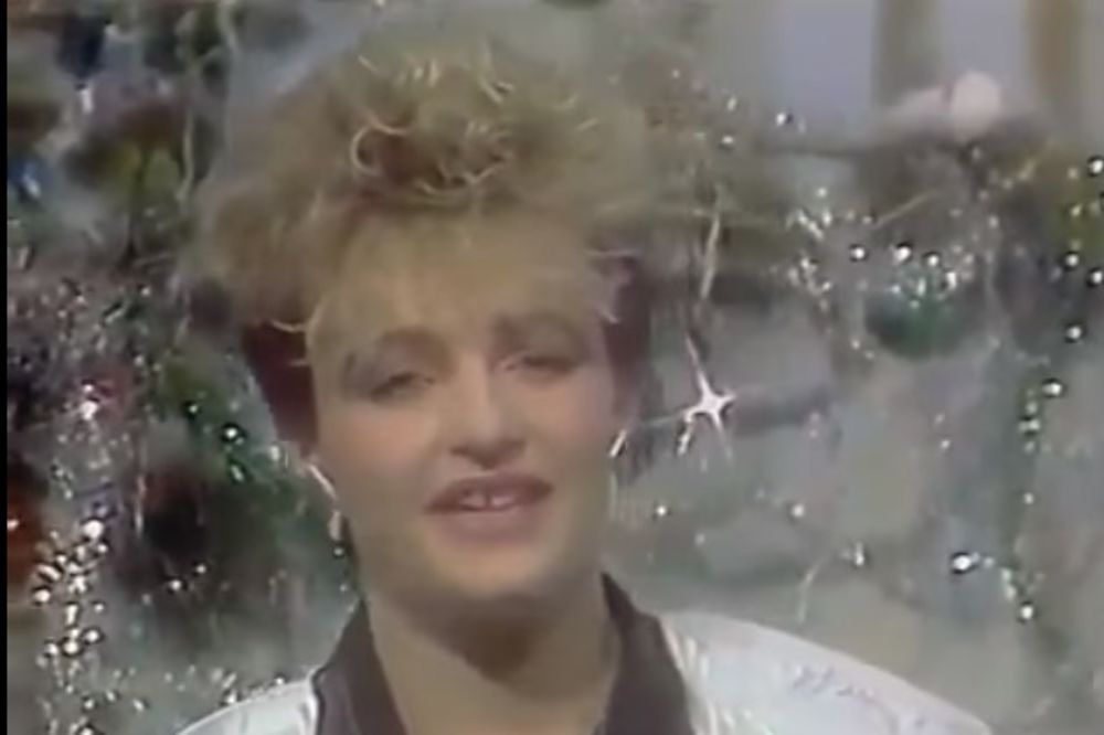 (VIDEO I FOTO) DANAS BAR IMA LEPŠE ZUBE: Pre 30 godina je promenila ime i postala poznata!