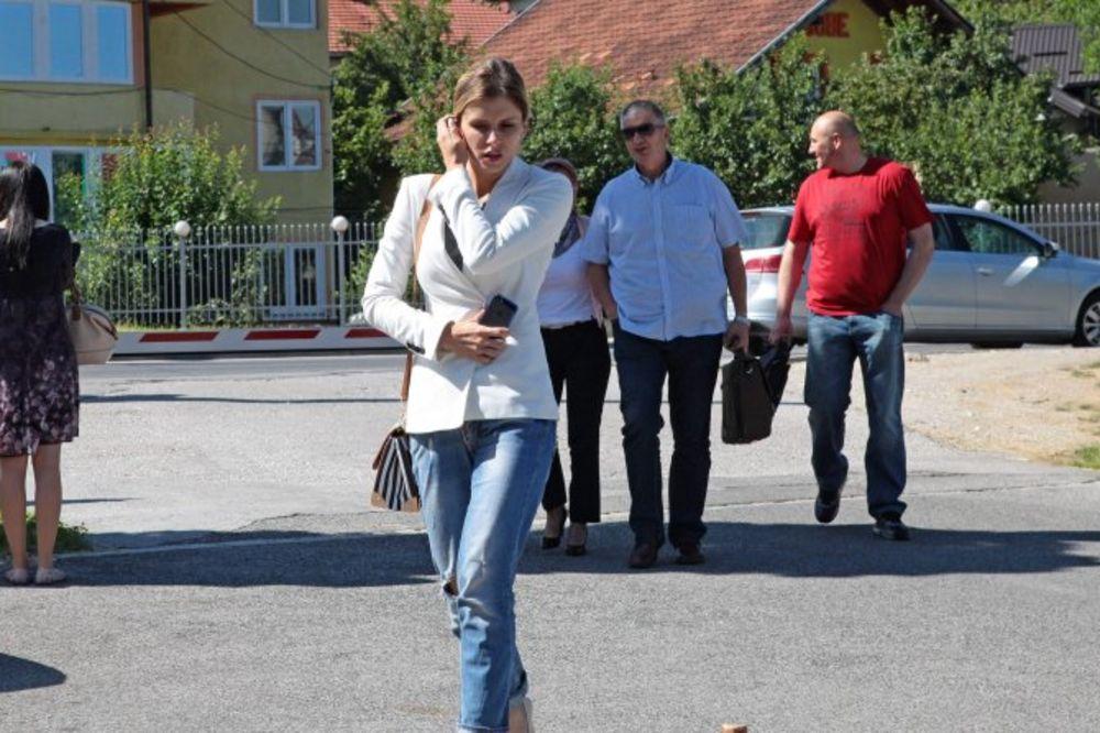 MISICA NEĆE VIŠE ČUVATI KRAVE: Plejbojeva cica ide na 2 i po godine u zatvor!