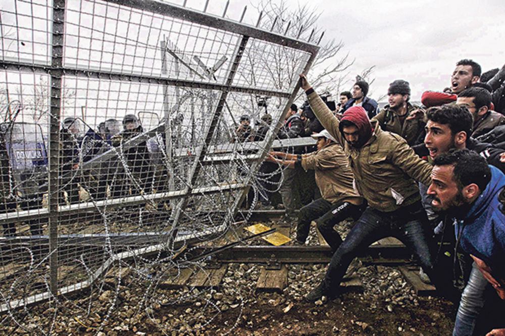 NAGRABUSILI SMO: 3.000.000 migranata preplaviće Srbiju!