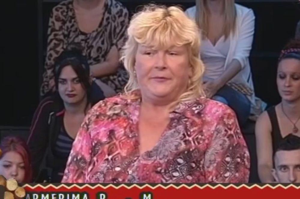 (VIDEO) KEVA NA IVICI SUZA: Nazvala je majka jednog farmera i naježila se