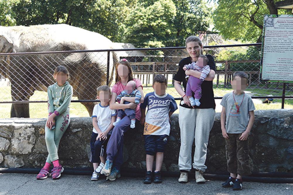 Poseta zoološkom vrtu... Supruga Jelena s decom