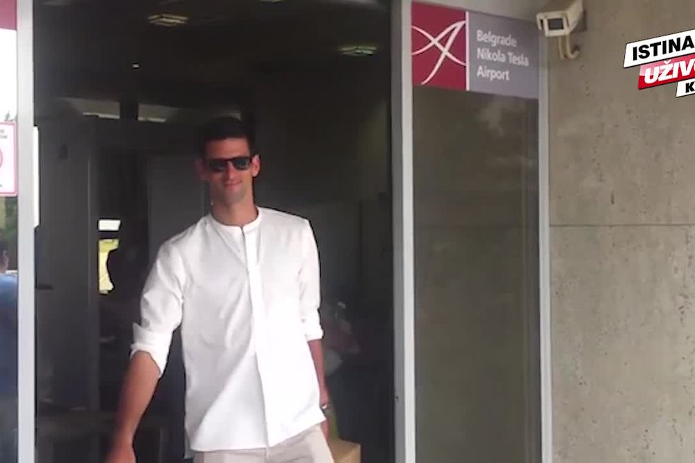 (KURIR TV) STIGAO JE KRALJ TENISA: Đoković prvi put kao šampion Rolan Garosa u Srbiji