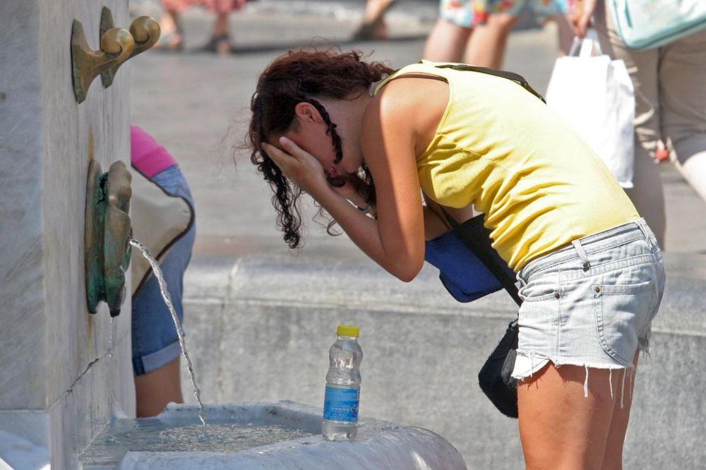 JOŠ JEDAN TROPSKI DAN PRED NAMA: U Srbiji sunčano i veoma toplo, do 34 stepena