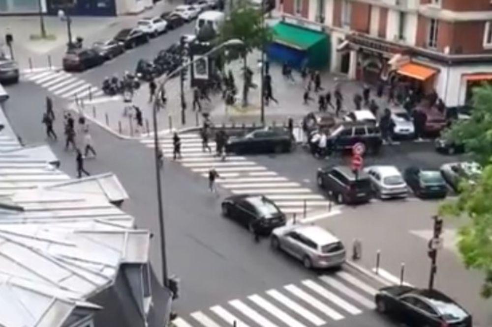 (VIDEO) PESNIČENJE NA SVE STRANE: Ovako su Srbi i Francuzi presreli turske navijače!