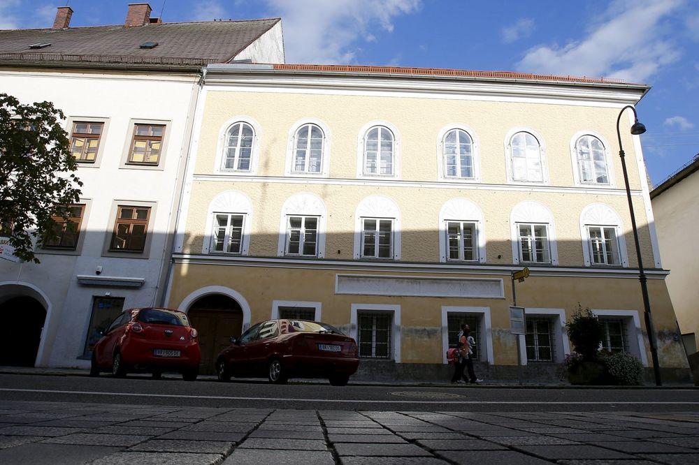 (VIDEO) AUSTRIJSKI MINISTAR: Hitlerova kuća neće biti srušena već preuređena do neprepoznatljivosti