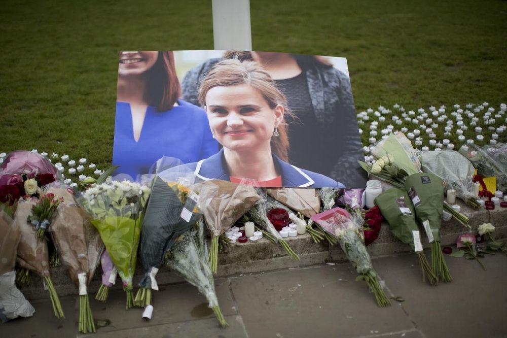 OPTUŽENI ZA UBISTVO POSLANICE: Smrt izdajicama, sloboda za Britaniju