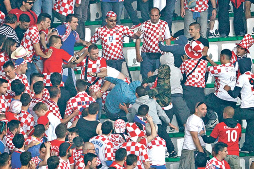 HRVATI POLUDELI: Srbi nam prekinuli utakmicu