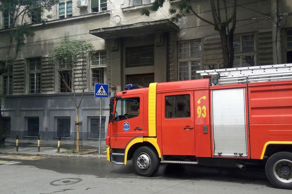POŽAR U CENTRU BEOGRADA: Goreo stan u Šafarikovoj