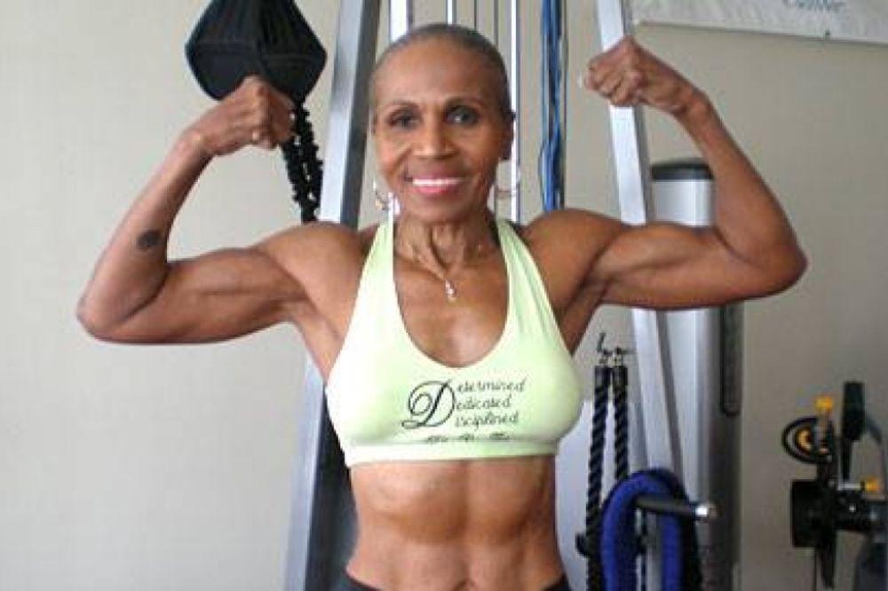 (FOTO, VIDEO) Najzgodnija baka (80) na svetu: Trbušnjaci za desetku, počela da vežba u 57. godini!