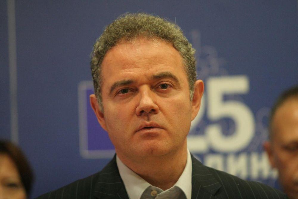 GUŽVA OKO FOTELJE PRVOG ČOVEKA DEMOKRATA: Zoran Lutovac objavio kandidaturu za lidera DS
