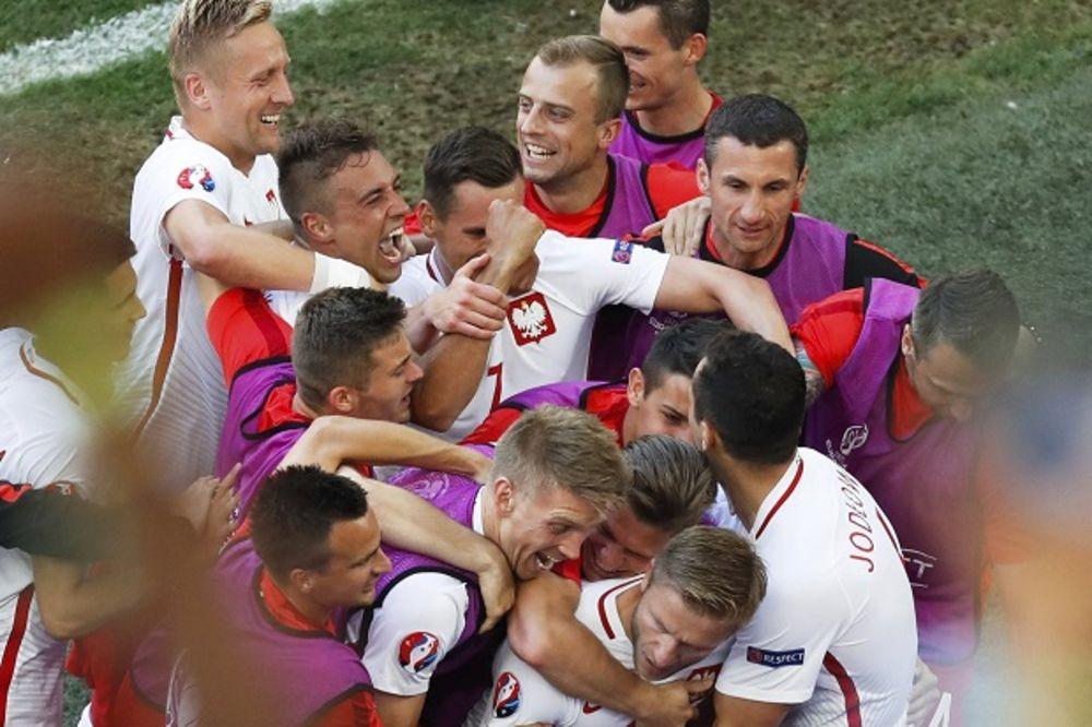 (VIDEO) TREĆI PORAZ UKRAJINACA NA EP: Poljaci pobedom stigli na megdan Švajcarcima