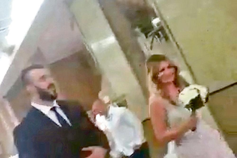 IZNENAĐENJE KOJE NIJE NI SANJALA: Nikola Peković poklonio dijamante supruzi