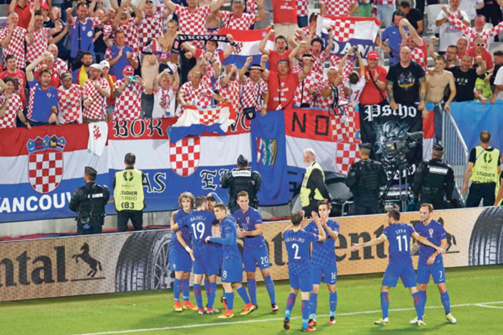 Oduševili i Mihajlovića... Fudbaleri Hrvatske,   Siniša Mihajlović  Hrvati  navija  EP  fudbal