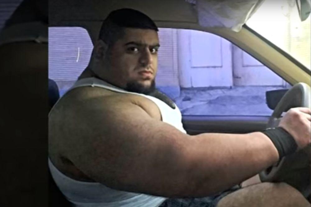 (VIDEO) PERSIJSKI HULK: Iračanin koji je mišićima zaludeo svet