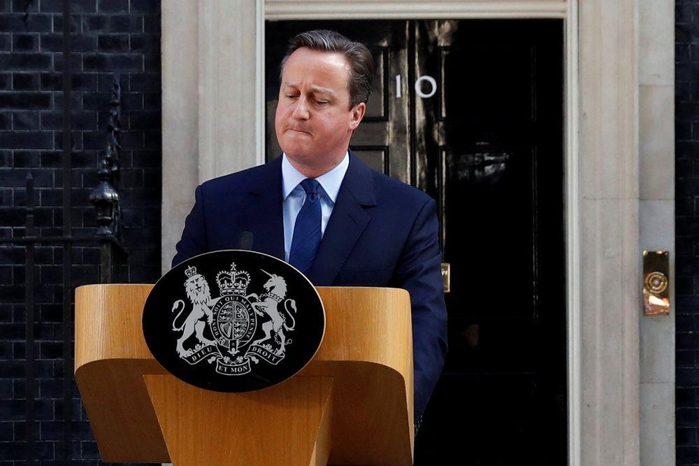 DEZERTER: EU lideri ljuti na Kamerona, jedini nije pozvan na samit u Briselu