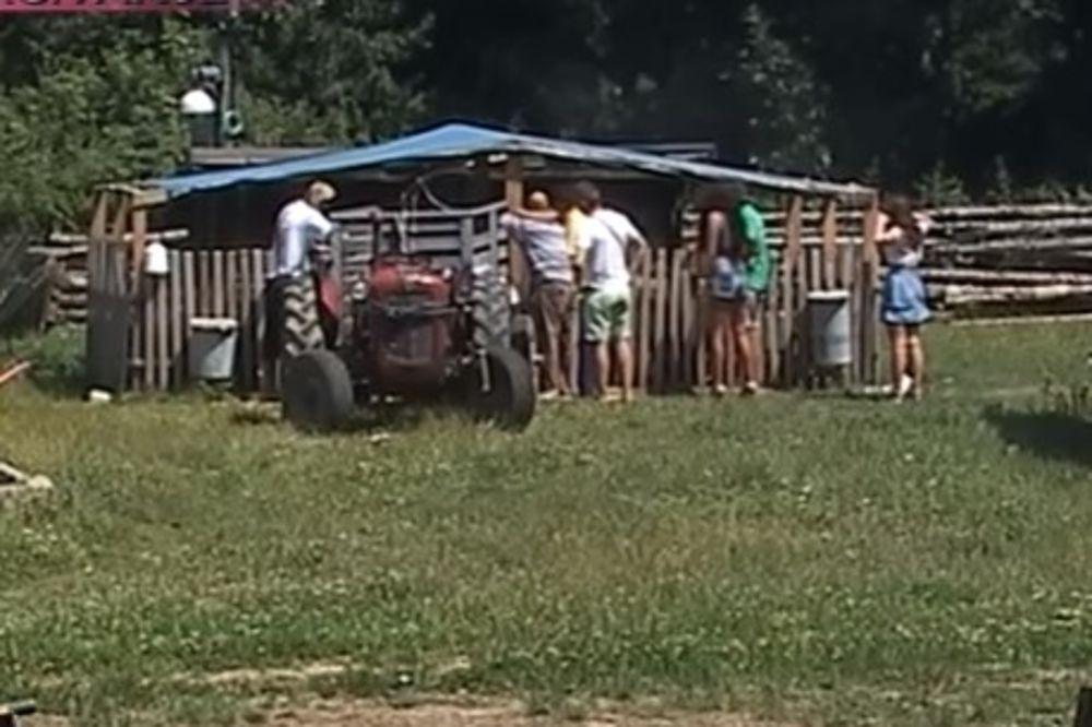 (VIDEO) KRAJ SAMO ŠTO NIJE: Evo ko je danas napustio Farmu, bilo i suza!