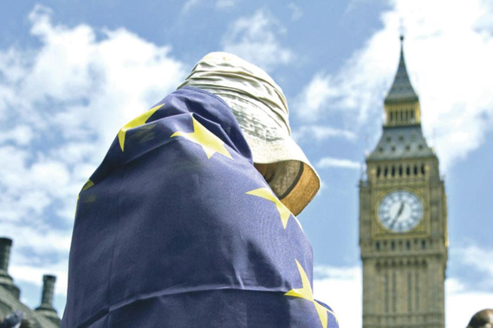 RASPAD VELIKE BRITANIJE: Pobuna mladih, odlaze Škotska i Severna Irska