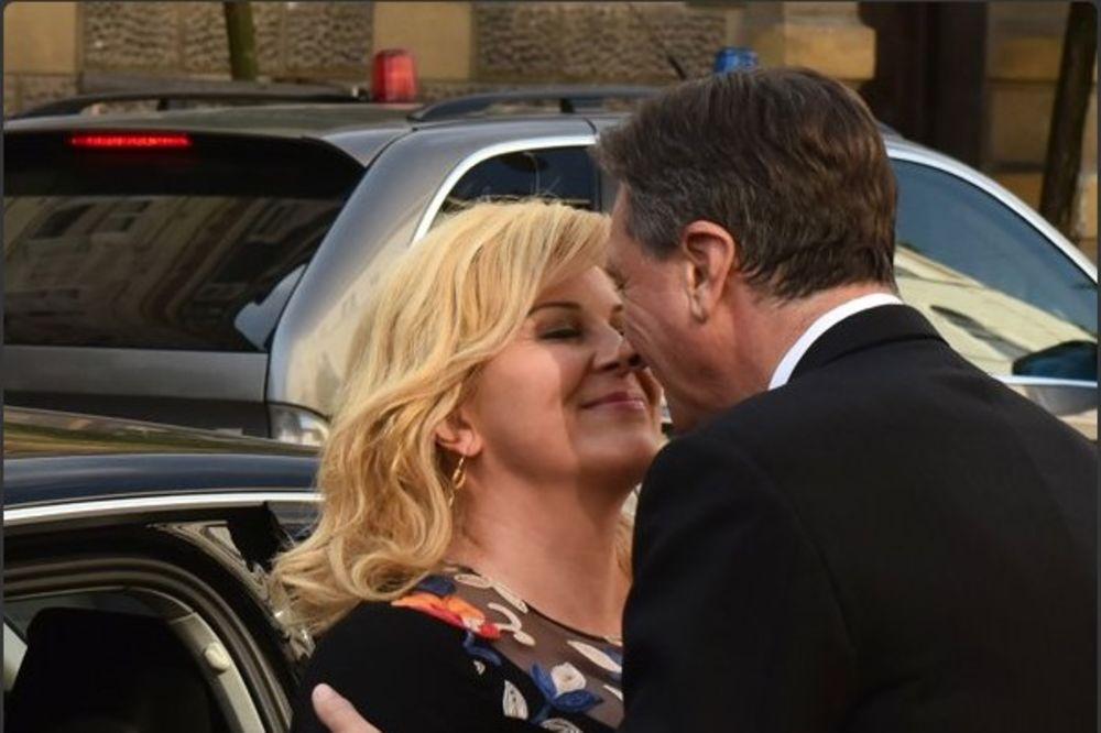 (FOTO) IMA NEKA TAJNA VEZA: Kolinda i Pahor uhvaćeni u zanosu