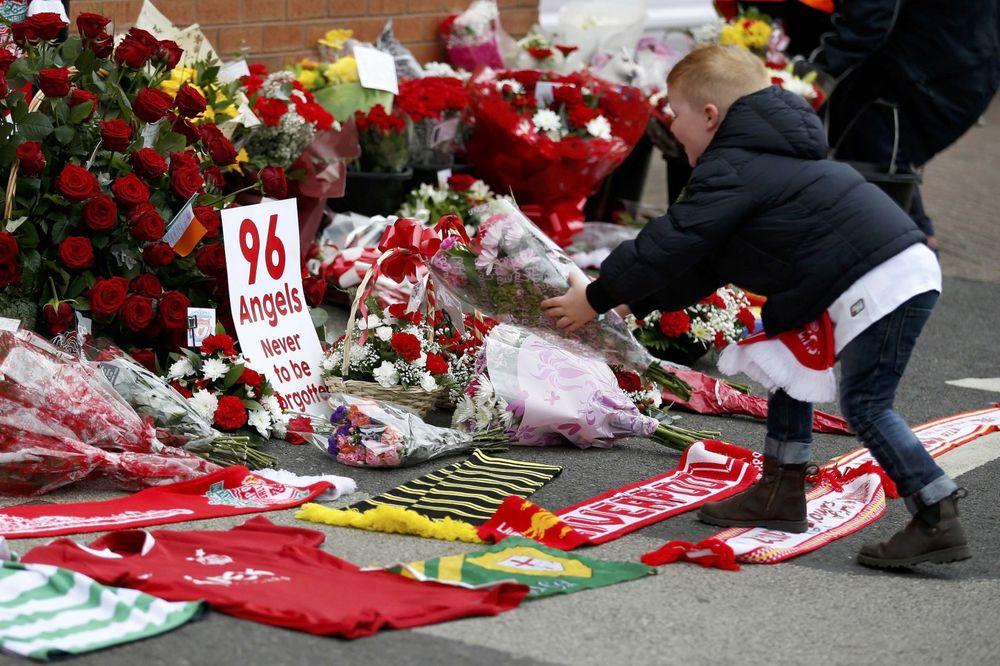 (VIDEO) CRNA ISTORIJA FUDBALA: 10 najgorih tragedija na fudbalskim stadionima