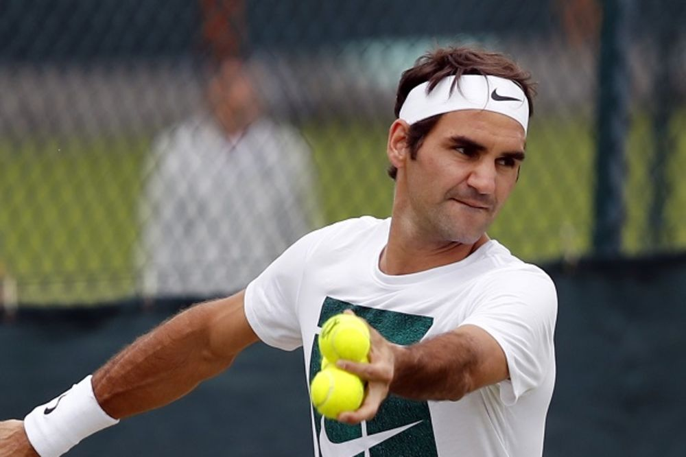 (VIDEO) OVO NE SMETE PROPUSTITI: Pogledajte Federera, velemajstora fudbala