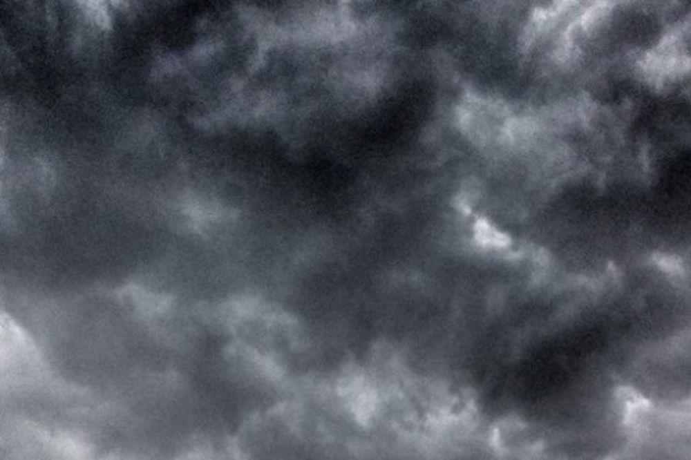 (FOTO, VIDEO) NEVREME I KOD SUSEDA: U Podgorici padao grad veličine oraha