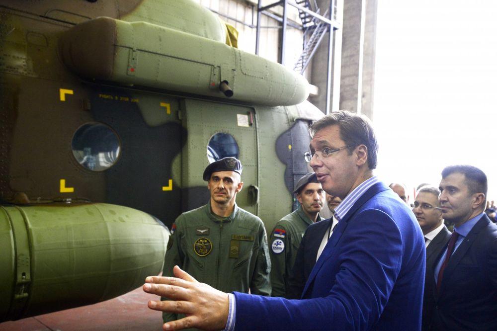 VUČIĆ NA SVEČANOSTI PRIJEMA NOVIH HELIKOPTERA: Prvo ćemo osnažiti ekonomiju, a potom i vojsku!