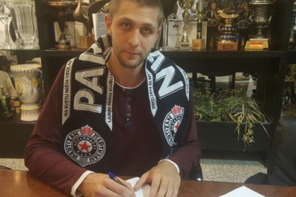 ZADUŽIO DRES SA BROJEM 13: Đorđe Majstorović je novi košarkaš Partizana