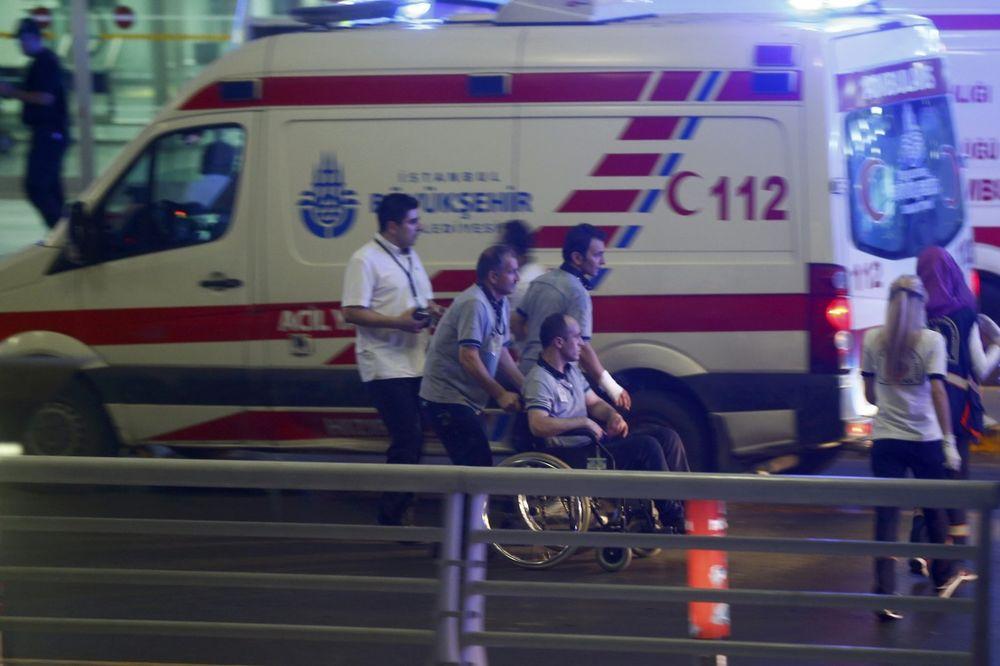 BILANS MASAKRA U ISTANBULU SVE JEZIVIJI: U bombaškom napadu 28 poginulih i 60 ranjenih!